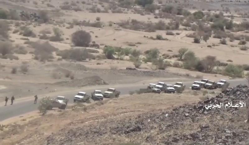 Xe quân sự mà Houthis thuyết minh là tịch thu của liên quân Ả Rập ở vùng Najran ở phía nam Saudi Arabia giáp biên giới với Yemen. Ảnh: REUTERS