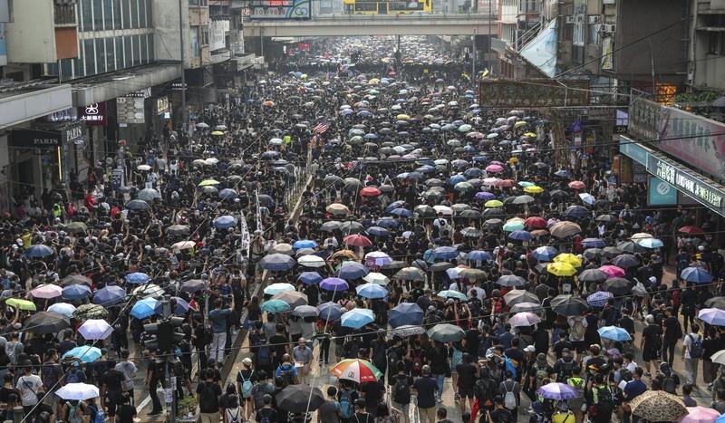 Biểu tình Hong Kong đã kéo dài gần 4 tháng. Ảnh: SCMP