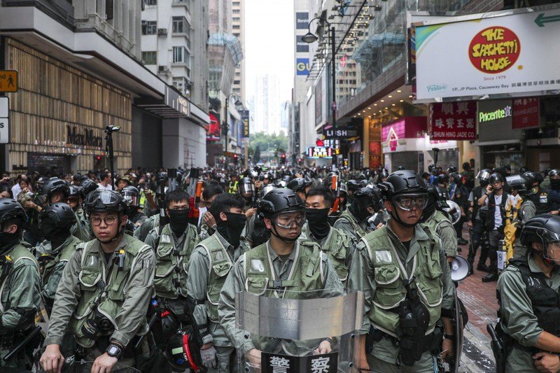 6.000 cảnh sát được triển khai đối phó biểu tình. Ảnh: SCMP