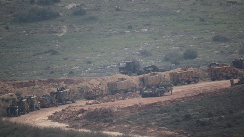 Xe quân sự Thổ Nhĩ Kỳ ở biên giới với Syria. Ảnh: REUTERS