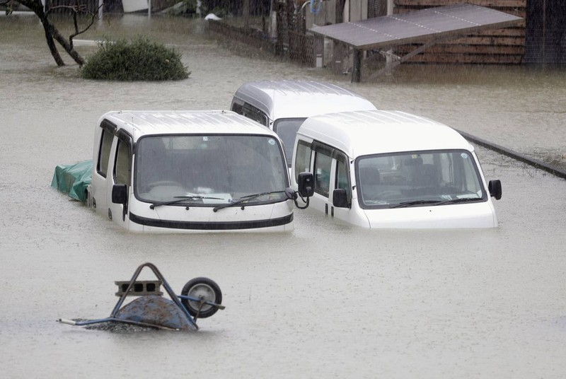 Hình ảnh bão Hagibis tàn phá Nhật trước khi quay ra biển TBD - ảnh 13