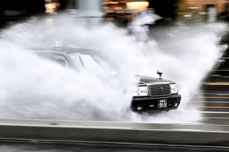 Hình ảnh bão Hagibis tàn phá Nhật trước khi quay ra biển TBD - ảnh 12