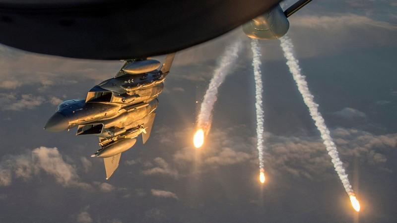 F-15, AH-64Apache đe dọa phe Thổ Nhĩ Kỳ áp sát lính Mỹ ở Syria - ảnh 3