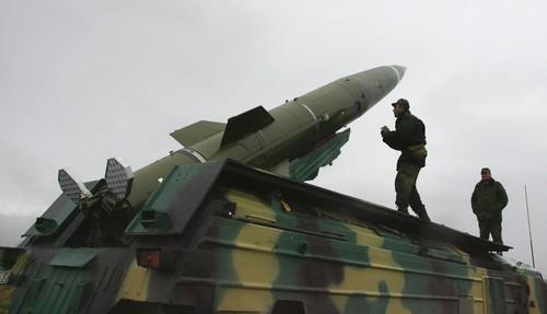 Tên lửa đạn đạo chiến thuật tầm ngắn Tochka được phóng thử nghiệm ở vùng Kaliningrad (Nga). Ảnh: SPUTNIK