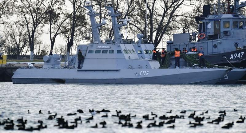 3 tàu hải quân Ukraine bị Nga đưa về giữ tại cảng Kerch ở bán đảo Crimea sau khi bị bắt tháng 11-2018. Ảnh: SPUTNIK