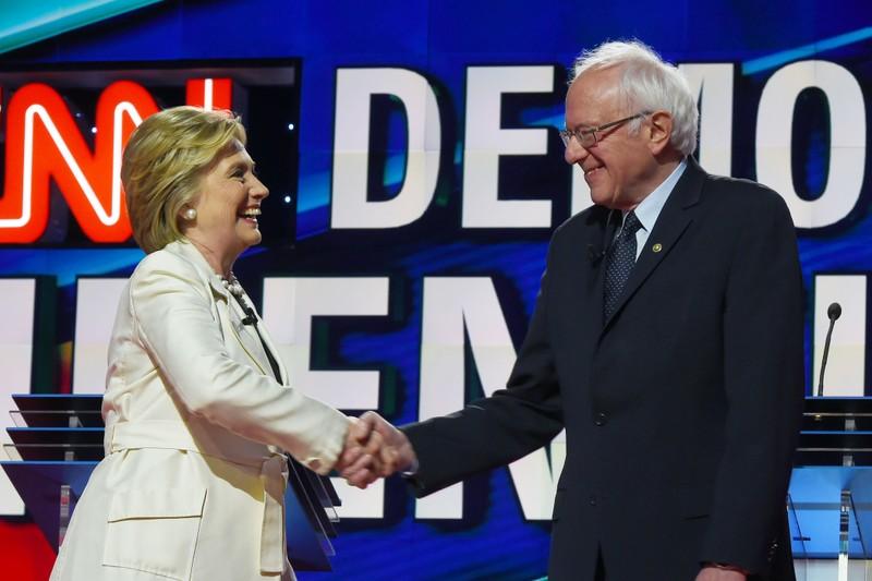 Ông Bernie Sanders và bà Hillary Clinton thời gian cạnh tranh vị trí đề cử ứng viên đại diện đảng Dân chủ trong đợt bầu cử tổng thống năm 2016. Ảnh: FORTUNE