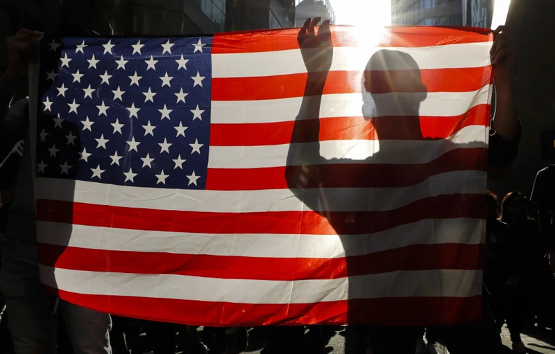Trung Quốc sẽ cấm cấp visa cho quan chức, nghị sĩ Mỹ? - ảnh 1