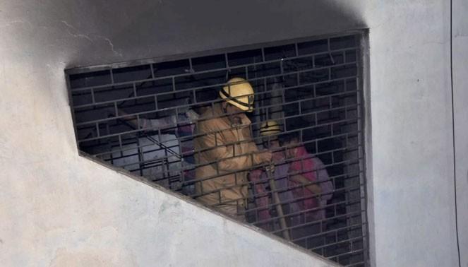Công tác cứu hộ vẫn đang diễn ra khẩn trương. Ảnh: TIMES OF INDIA