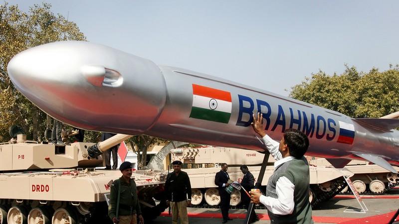 Ấn Độ có thể đề nghị một khoản vay ưu đãi với Philippines để nước này mua tên lửa BrahMos. Ảnh: AFP