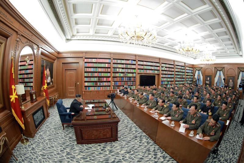Ông Trump: Sẵn sàng nhận mọi bất ngờ Giáng sinh từ Triều Tiên - ảnh 4