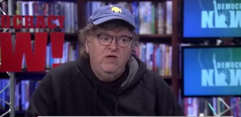 Ông Michael Moore dự đoán ông Trump khả năng lớn sẽ thua ở số phiếu bầu phổ thông, nhưng vẫn sẽ chiến thắng chung cuộc nhờ thắng phiếu Đại cử tri. Ảnh: INDEPENDENT