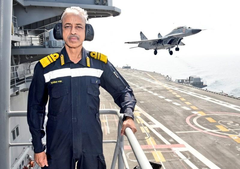 Ấn Độ đưa tàu sân bay theo dõi Pakistan-Trung Quốc tập trận - ảnh 1