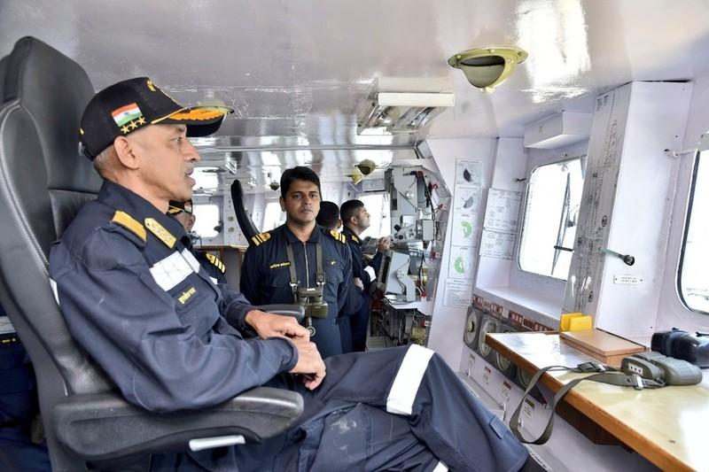 Ấn Độ đưa tàu sân bay theo dõi Pakistan-Trung Quốc tập trận - ảnh 3