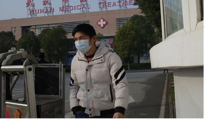 Nhà chức trách y tế Vũ Hán cho biết có 763 người đã tiếp xúc gần với 45 ca nhiễm, đã được xét nghiệm nhưng cho kết quả không bị nhiễm. Ảnh: AFP