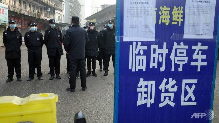 Dịch bùng phát từ một khu chợ hải sản ở TP Vũ Hán, tỉnh Hồ Bắc (Trung Quốc). Ảnh: AFP