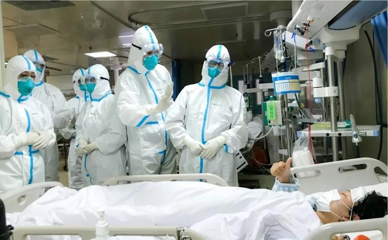 Những người cảm nhận rõ nhất áp lực từ dịch virus Corona không ai khác có lẽ là các bác sĩ, y tá đang làm việc ở Vũ Hán. Ảnh: AFP