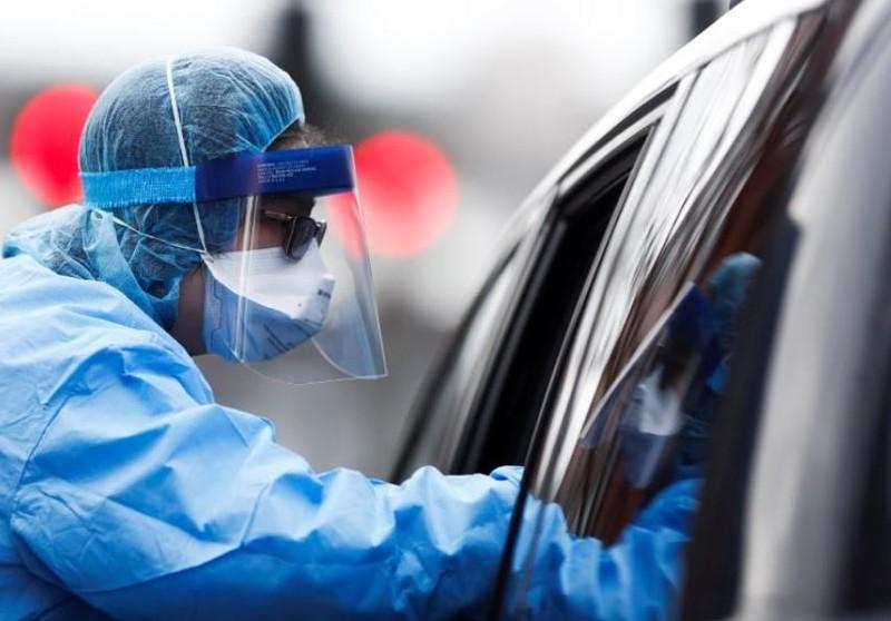 COVID-19 Mỹ: Mới xét nghiệm 0,3% dân, 10 người 1 người nhiễm - ảnh 1