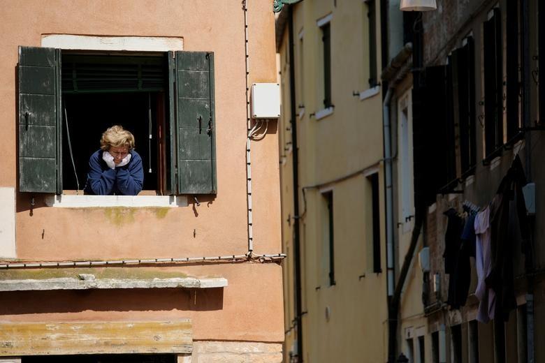 Chùm ảnh: Muôn kiểu 'ở nhà' khắp thế giới mùa COVID-19 - ảnh 5