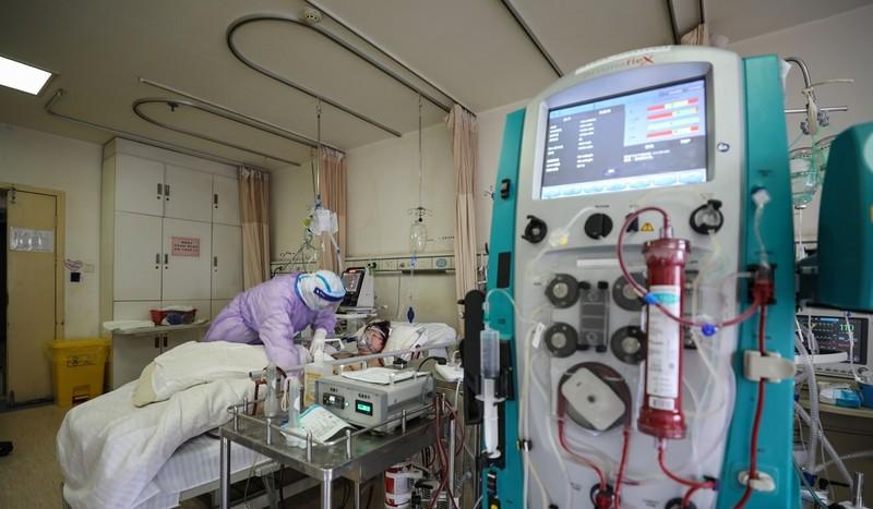 Hong Kong lắp 'phổi nhân tạo' cho bệnh nhân COVID-19 - ảnh 2