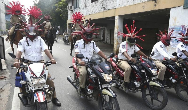 Đi lung tung, du khách ở Ấn phải chép phạt 'xin lỗi' 500 lần - ảnh 2