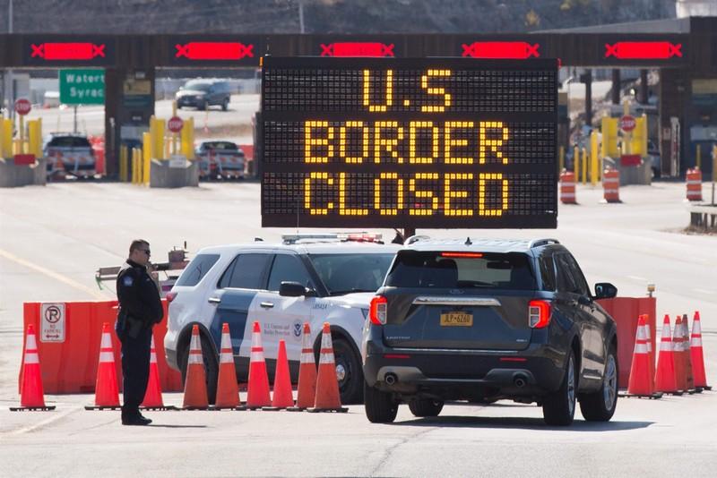 Ông Trump sắp ra sắc lệnh tạm ngưng nhập cư  - ảnh 1