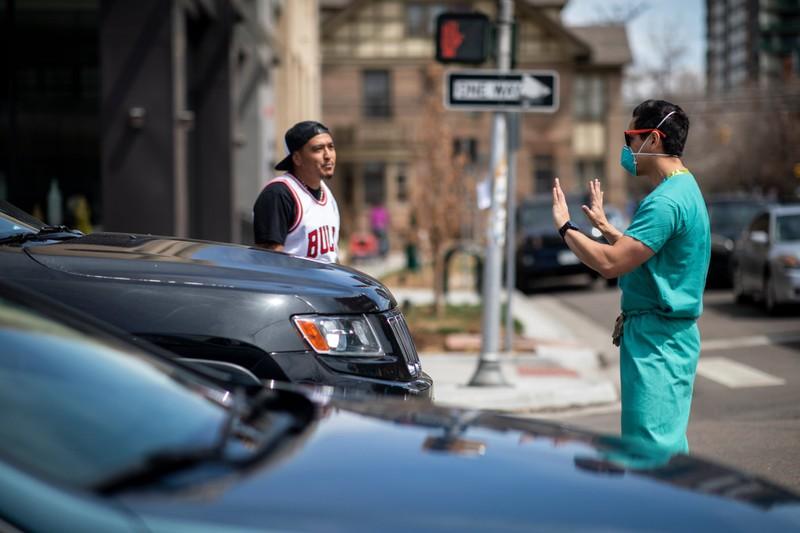 Mỹ: Y tá xuống đường đối đầu người biểu tình phản đối ở nhà  - ảnh 6