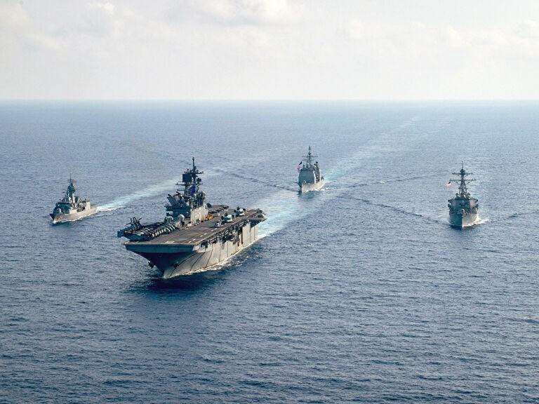Tàu chiến Trung Quốc đụng độ tàu chiến Mỹ ở biển Đông - ảnh 1