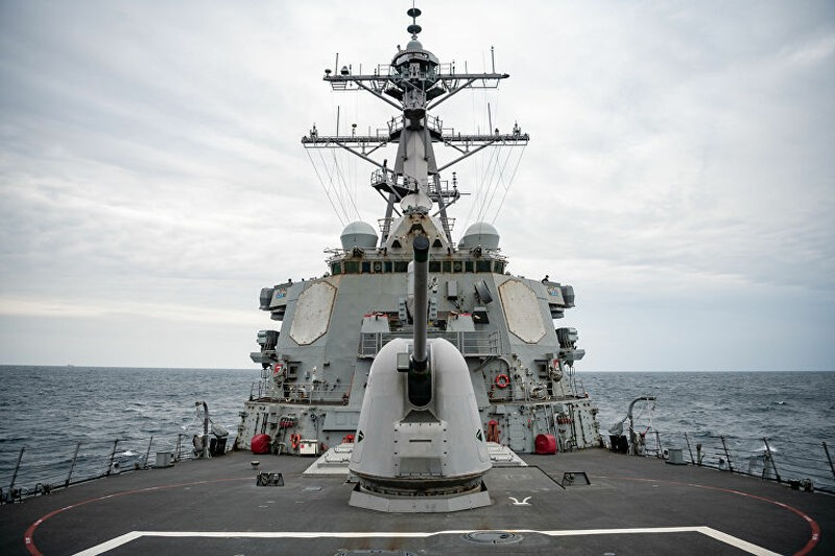 Tàu chiến Trung Quốc đụng độ tàu chiến Mỹ ở biển Đông - ảnh 3