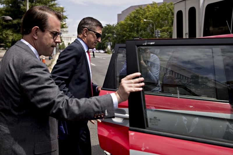 Ông Trump nói có thể đưa ông Flynn quay lại Nhà Trắng - ảnh 2