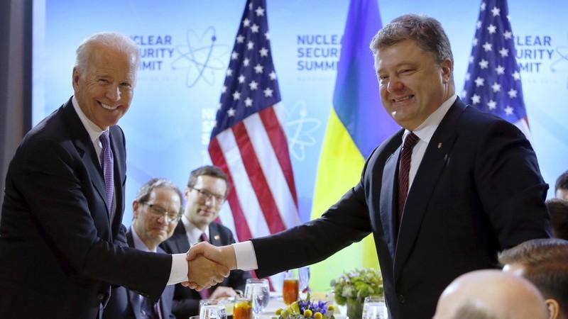 Cựu TT Ukraine Poroshenko bị điều tra về liên hệ với ông Biden - ảnh 2