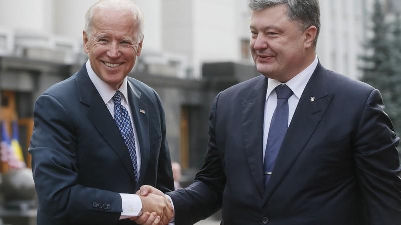 Cựu TT Ukraine Poroshenko bị điều tra về liên hệ với ông Biden - ảnh 3