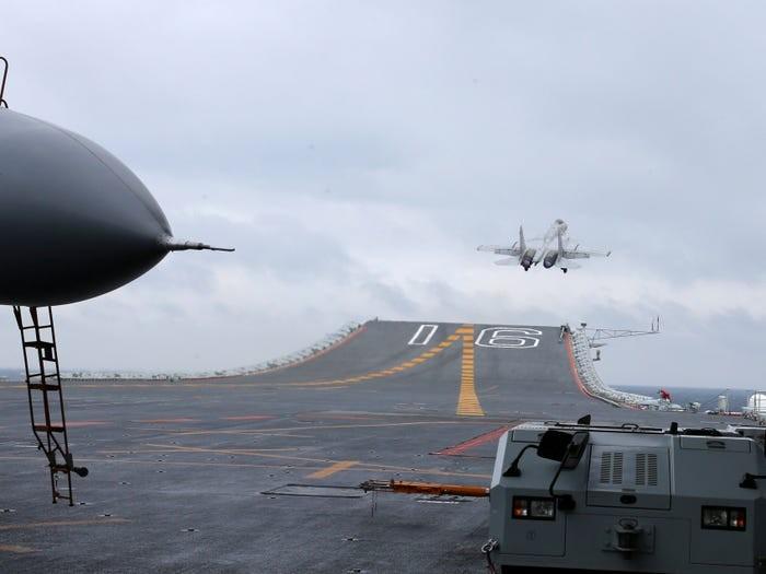 Mỹ đưa tàu đến gần đảo Phú Lâm và đá Tháp - ảnh 2