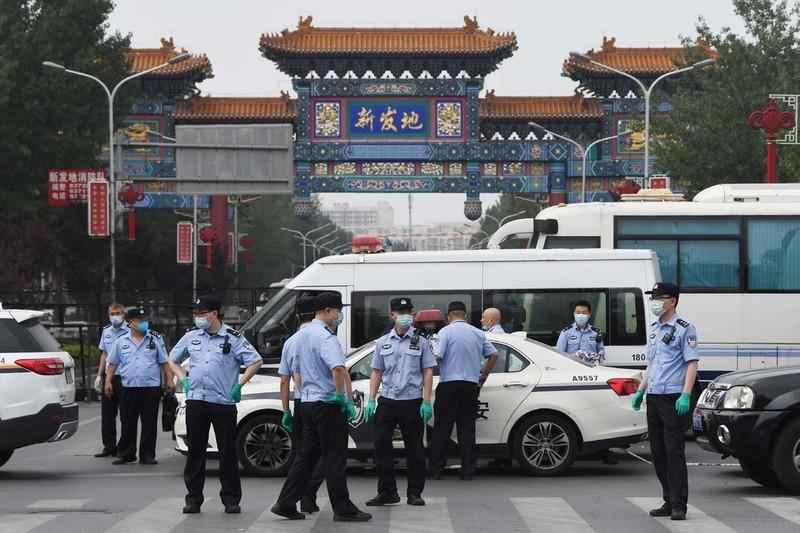 6 ca nhiễm COVID-19, Bắc Kinh đóng cửa 1 chợ, nhiều khu dân cư - ảnh 1