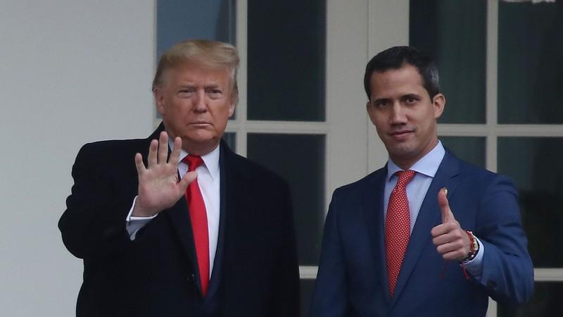 Ông Trump phát tín hiệu ấm với ông Maduro, lạnh với ông Guaido - ảnh 2