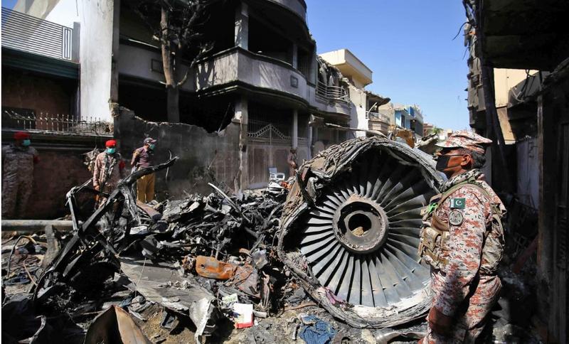 Hãng hàng không Pakistan sẽ sa thải 150 phi công xài bằng giả - ảnh 1