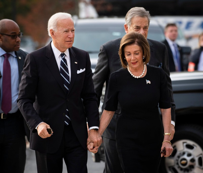 Bà Pelosi sẽ là 'đồng tổng thống' nếu ông Biden thắng bầu cử? - ảnh 1