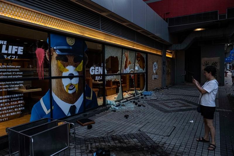 Hong Kong: Các 'cửa hàng màu vàng' tìm cách né luật an ninh - ảnh 4