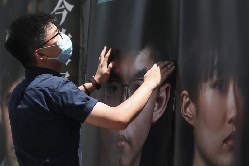 Hoàng Chi Phong từ chối ký đơn thề trung thành với Hong Kong - ảnh 1