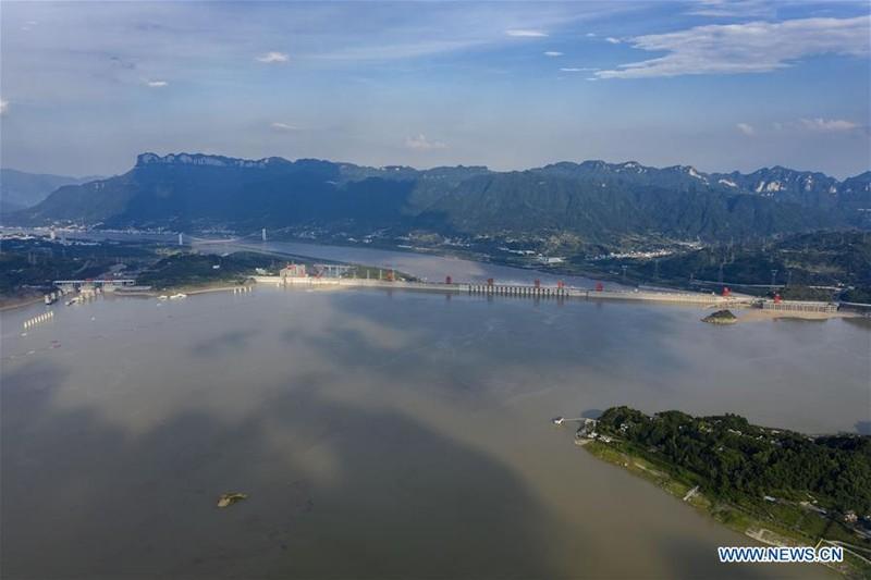 Trung Quốc công bố ảnh mới chụp đập Tam Hiệp từ trên không - ảnh 3