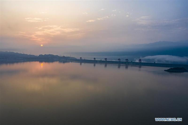 Trung Quốc công bố ảnh mới chụp đập Tam Hiệp từ trên không - ảnh 5