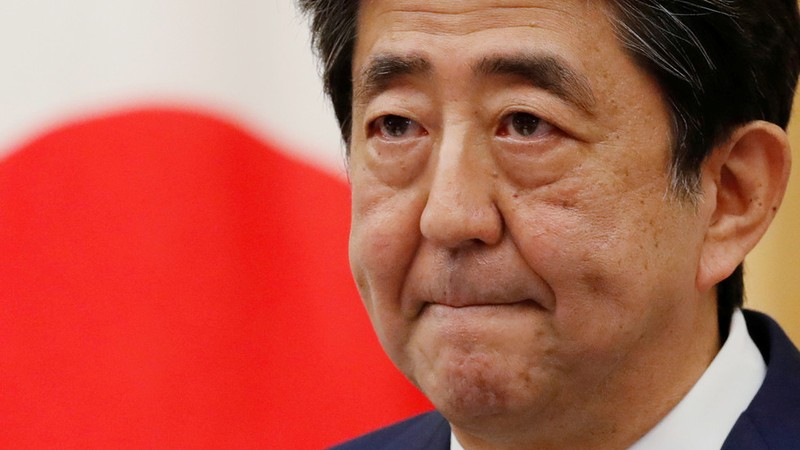 Ông Abe từ chức vì sợ bệnh tình ảnh hưởng việc ra quốc sách - ảnh 1