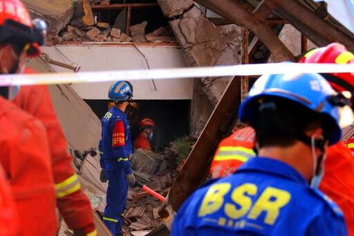 Sập nhà hàng, 29 người chết, 28 người bị thương - ảnh 2
