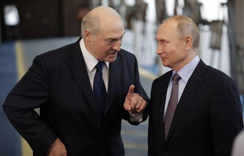 Ông Lukashenko dự kiến sang Nga gặp ông Putin hôm nay - ảnh 1