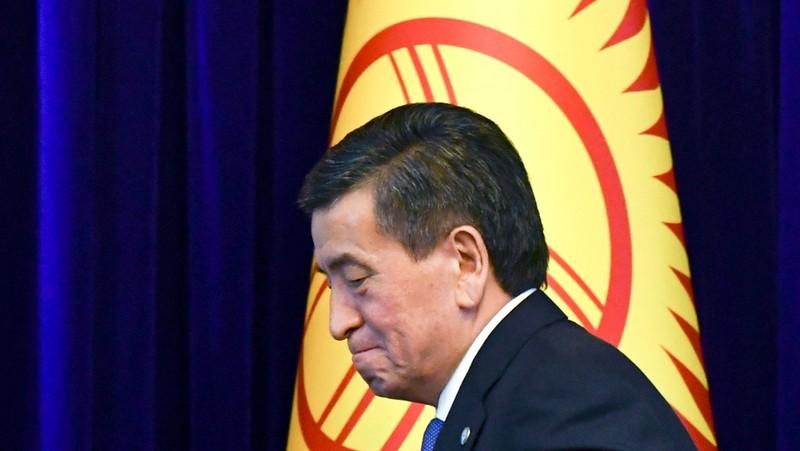 Tổng thống Kyrgyzstan từ chức, không muốn 'gây đổ máu' cho dân - ảnh 1