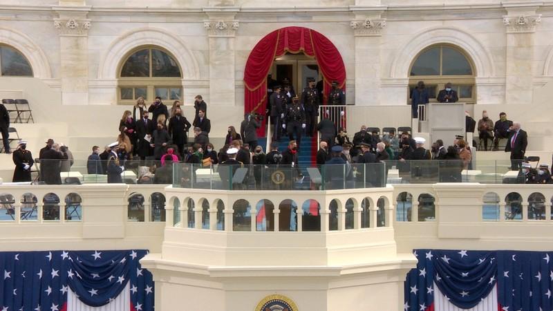 Trực tiếp: Ông Biden, bà Harris đã tuyên thệ nhậm chức  - ảnh 11