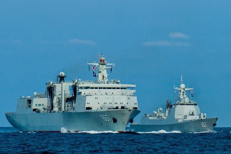 Tàu khu trục tên lửa dẫn đường của Trung Quốc tham gia tập trận trên Biển Đông - ảnh 1