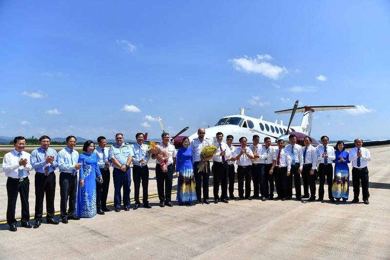 Sân bay Vân Đồn đón chuyến bay hiệu chuẩn đầu tiên - ảnh 1