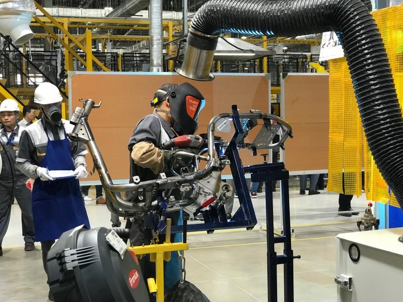 VinFast khánh thành nhà máy, ra mắt xe máy điện Klara - ảnh 1
