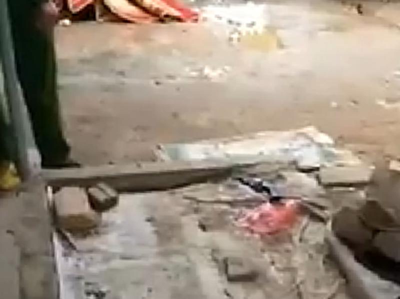 Cô gái bán đậu phụ bị bắn tử vong giữa chợ - ảnh 2