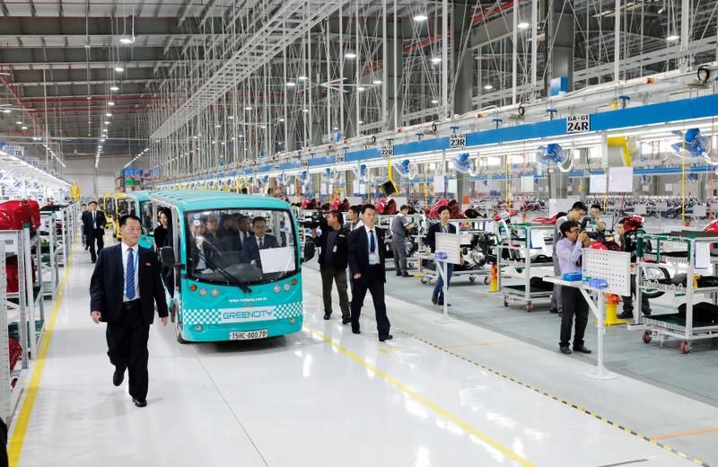 Đoàn đại biểu Triều Tiên thăm Tổ hợp sản xuất ô tô Vinfast - ảnh 4